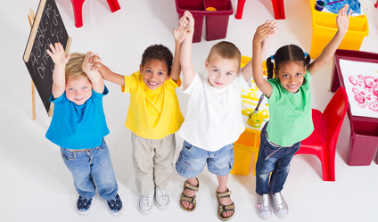 00_GERMAN_SCHOOL_UPSTATE_Children_Hand_Up